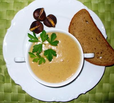 Maronicremesuppe
