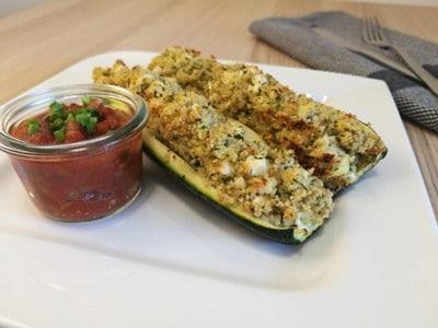 Gefüllte Zucchini mit Couscous und Schafskäse