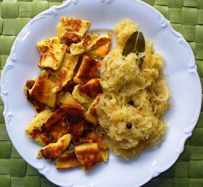 Parmesanschmarrn mit Sauerkraut